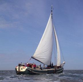 Aussenansicht vom Gruppenhaus 03103169 Plattbodensegelschiff Labor Sanitas in Niederlande NL-8861 HARLINGEN für Gruppenfreizeiten