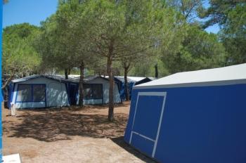 Aussenansicht vom Gruppenhaus 00330100 ZEBU-Dorf Grau d Agde in Frankreich F-34300 AGDE für Gruppenfreizeiten