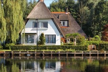 Aussenansicht vom Gruppenhaus 03313843 Ferienhaus KRAGGEHOF in Niederlande 8066 Belt-Schuttsloot für Gruppenfreizeiten
