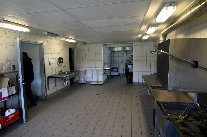Küche von der Gruppenunterkunft 03453000 ÅBÆK Efterskole in Dänemark 6200 Aabenraa für Jugendfreizeiten