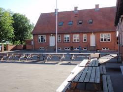 Weitere Aussenansicht vom Gruppenhaus 03453052 ULSTRUP EFTERSKOLE in Dänemark DK-4560 VIG für Gruppenreisen