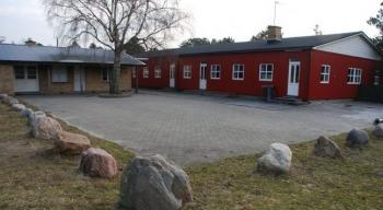 Aussenansicht vom Gruppenhaus 03453054 Gruppen-Ferienhaus HOEVE STRAND in Dänemark 4550 ASNAES für Gruppenfreizeiten
