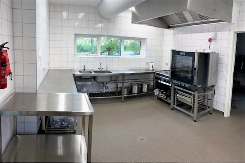 Küche von der Gruppenunterkunft 03453059 Gruppenhaus NALDTANGLEJREN in Dänemark 6200 Aabenraa für Jugendfreizeiten