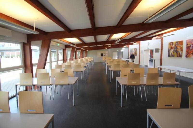 Aussenansicht von der Gruppenunterkunft 03453173 KONGEÅDALENS Efterskole in Dänemark 6660 Lintrup für Jugendfreizeiten