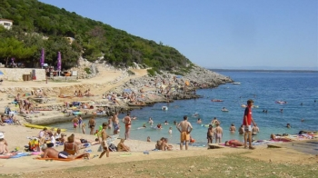 Aussenansicht vom Gruppenhaus 00380100 ZEBU<sup>®</sup>-Dorf MALI LOSINJ - S - KROATIEN in Kroatien 51550 Mali Losinj für Gruppenfreizeiten
