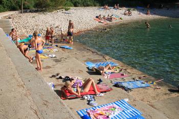 Bilder von Bademöglichkeiten vom Beach-Camp für Gruppen 00380100 ZEBU-DORF MALI LOSINJ - Größe M  in Kroatien 51550 MALI LOSINJ für Jugendfreizeiten