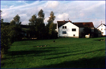 Aussenansicht vom Gruppenhaus 03493164 Gruppenhaus NIMHUSCHEID in Deutschland D-54612 NIMSHUSCHEID für Gruppenfreizeiten