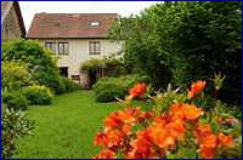 Aussenansicht vom Gruppenhaus 05335310 Gruppenhaus GITE DE MALANS in Frankreich F-25840 Malans für Gruppenfreizeiten