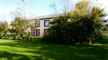 Aussenansicht vom Gruppenhaus 05355108 Gruppenhaus Annascaul in Irrland  ANNASCAUL für Gruppenfreizeiten