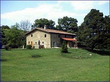 Aussenansicht vom Gruppenhaus 05395503 Gruppenhaus TENUTA FERRACCDI in Italien I-50032 Polcanto für Gruppenfreizeiten