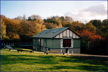 Aussenansicht vom Gruppenhaus 05445104 OUTDOOR EDUCATION Center in England GB (MK3) Bletchley für Gruppenfreizeiten