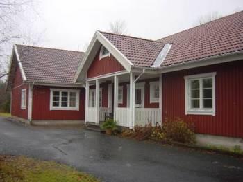 Aussenansicht vom Gruppenhaus 05465001 Gruppenhaus HÄSTHAGEN in Schweden S-13133 Hästhagen für Gruppenfreizeiten