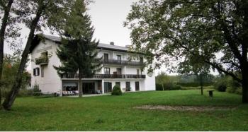 Aussenansicht vom Gruppenhaus 07437005 Gruppenhaus FAAK AM SEE in Österreich 9583 Faak am See für Gruppenfreizeiten