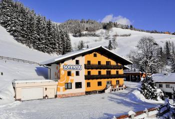 Aussenansicht vom Gruppenhaus 07437024 Gruppenhaus SONNEGG in Österreich A-5753 Saalbach-Hinterglemm für Gruppenfreizeiten