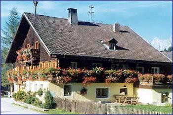 Aussenansicht vom Gruppenhaus 07437006 Gruppenhaus FORSTAU in Österreich A-5550 Forstau für Gruppenfreizeiten