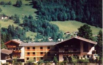 Aussenansicht vom Gruppenhaus 07437028 Gruppenhaus ST. VEITH in Österreich A-5620 Schwarzach für Gruppenfreizeiten