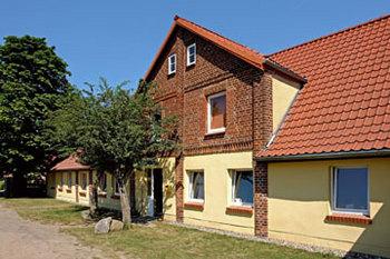 Aussenansicht vom Gruppenhaus 07497050 Gruppenhaus WELZIN in Deutschland D-23948 WELZIN für Gruppenfreizeiten