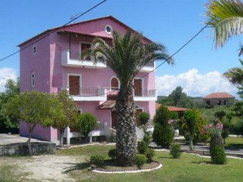 Aussenansicht vom Gruppenhaus 08308400 Gruppenhaus ADRIANA in Griechenland GR Roda für Gruppenfreizeiten