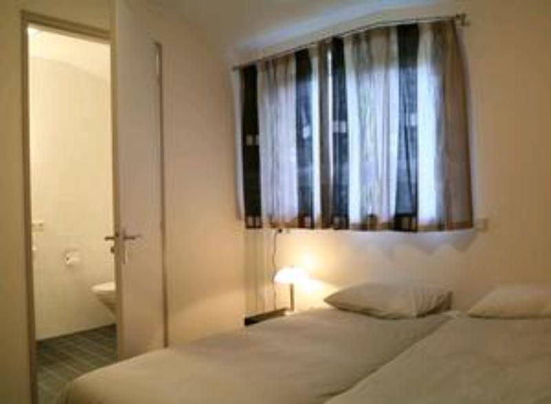 4 sterne gruppenhaus atalanta. Black Bedroom Furniture Sets. Home Design Ideas