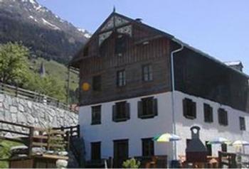 Aussenansicht vom Gruppenhaus 07437011 Gruppenhaus Kaunerberg in Österreich   für Gruppenfreizeiten