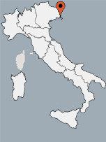 Aussenansicht vom Gruppenhaus 08398311 Bungalowcamp MARINA JULIA in Italien  Monfalcone Marina Julia für Gruppenfreizeiten
