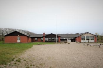 Aussenansicht vom Gruppenhaus 03453311 Gruppenhaus REMMERSTRANDLEJREN in Dänemark 7620 Lemvig für Gruppenfreizeiten