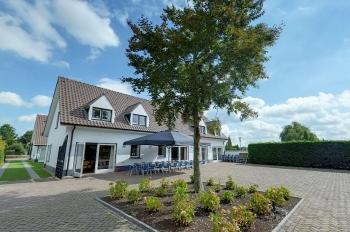 Aussenansicht vom Gruppenhaus 00310599 Gruppenhaus Maashoeve in Niederlande 5995 ND Kessel für Gruppenfreizeiten