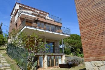 Aussenansicht vom Gruppenhaus 04344031 Chalet Casa Torrent I in Spanien 08360 Canet de Mar für Gruppenfreizeiten