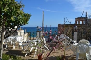 Aussenansicht vom Gruppenhaus 04344030 Hostal Casa Torrent in 3400 08360 Canet del Mar für Gruppenfreizeiten