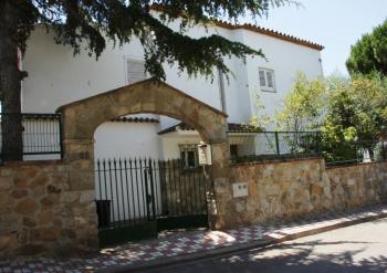 Aussenansicht vom Gruppenhaus 04344033 Chalet Casa Torrent III, Spanien in Spanien 08360 Canet de Mar für Gruppenfreizeiten