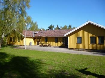 Aussenansicht vom Gruppenhaus 04464013 Gruppenhaus Backagarden in Schweden 24395 Höör für Gruppenfreizeiten