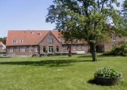 Weitere Aussenansicht vom Gruppenhaus 03453350 Gram Efterskole in Dänemark 6510 Gram für Gruppenreisen