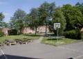 Aussenansicht vom Gruppenhaus 03453350 Gram Efterskole in Dänemark 6510 Gram für Gruppenfreizeiten