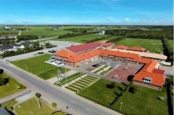 Weitere Aussenansicht vom Gruppenhaus 03453471 Rejsby Europœiske Efterskole in Dänemark 6780 Skœrbœk für Gruppenreisen