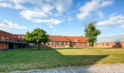 Weitere Aussenansicht vom Gruppenhaus 03453472 Jegindølejren (ehem. Efterskole) in Dänemark 7790 Thyholm für Gruppenreisen