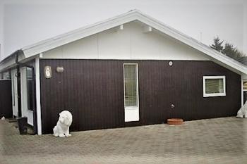 Aussenansicht vom Gruppenhaus 03453479 Gruppenhaus BLOKHUSCENTER in Dänemark 9492 Blokhus für Gruppenfreizeiten
