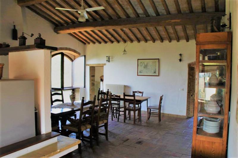 Küche von der Gruppenunterkunft 05395445 Castello Pianello in Italien 06135 Pianello für Jugendfreizeiten