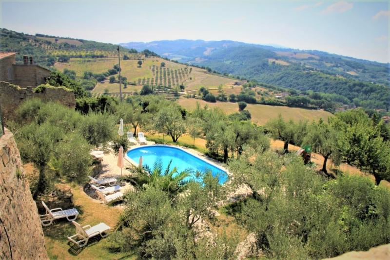 Bademöglichkeit von der Gruppenunterkunft 05395445 Castello Pianello in Italien 06135 Pianello für Jugendfreizeiten