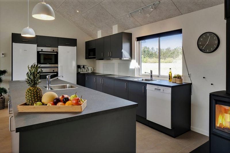 Küche von der Gruppenunterkunft 03453855 Aktivhus Houstrup in Dänemark 6830 Nørre Nebel Sogn, für Jugendfreizeiten