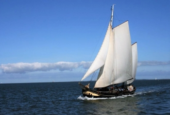Aussenansicht vom Gruppenhaus 03103151 Plattbodenschiff Suydersee in Niederlande NL-8861 HARLINGEN für Gruppenfreizeiten